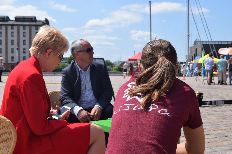 im Gespräch mit Fr. Bretschneider (Landtagspräsidentin) und Hr. Beyer (Bürgermeister)